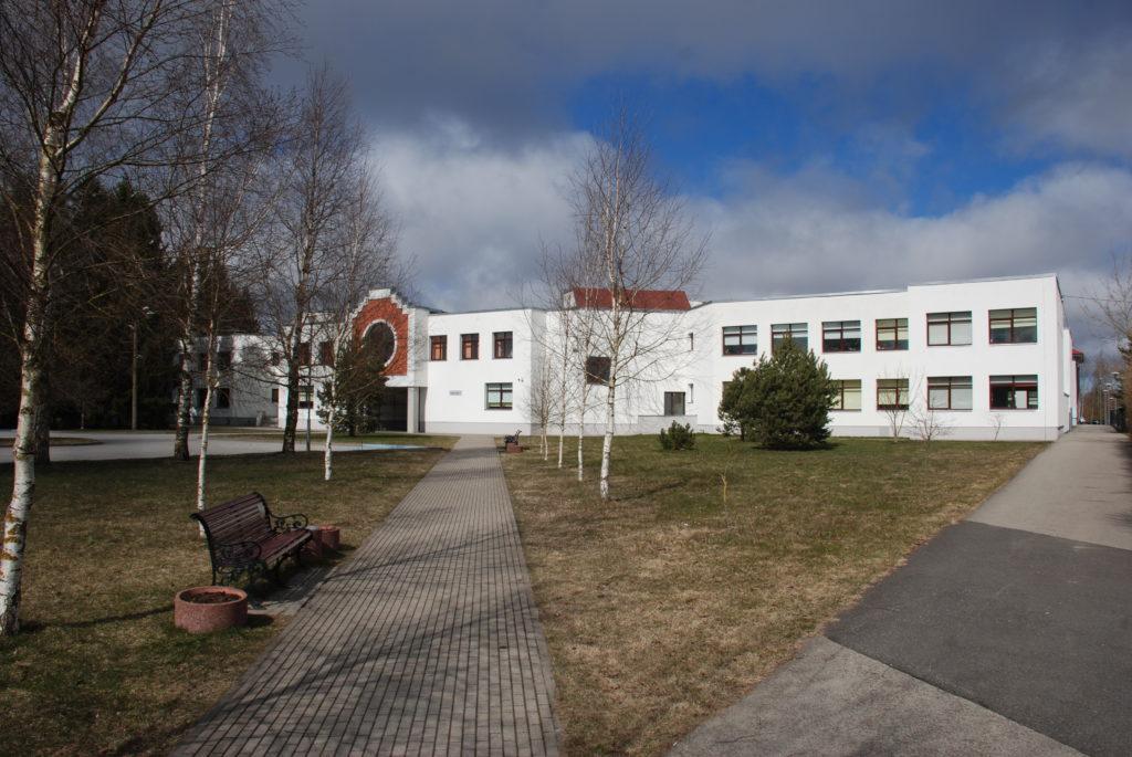 Loo Keskkooli piksekaitse ja maanduse paigaldus
